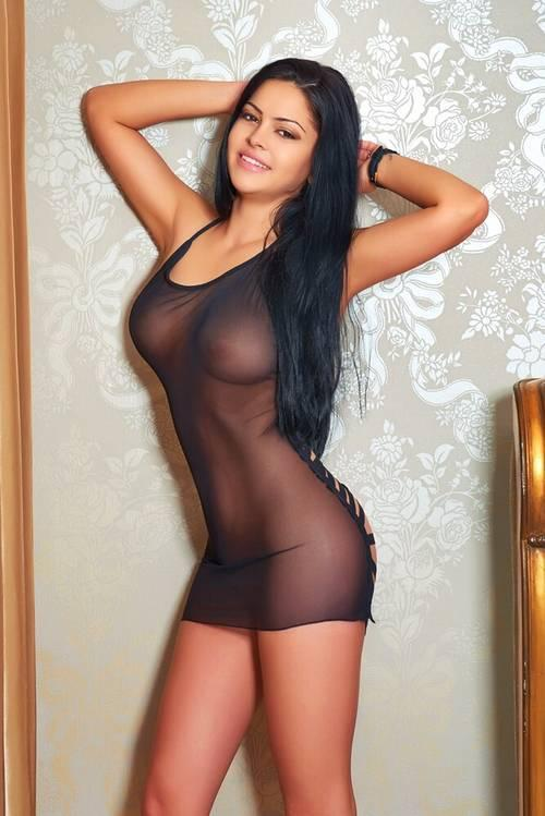 Sexy Escorts In Mumbai Here To Complacence Your Body And Mind