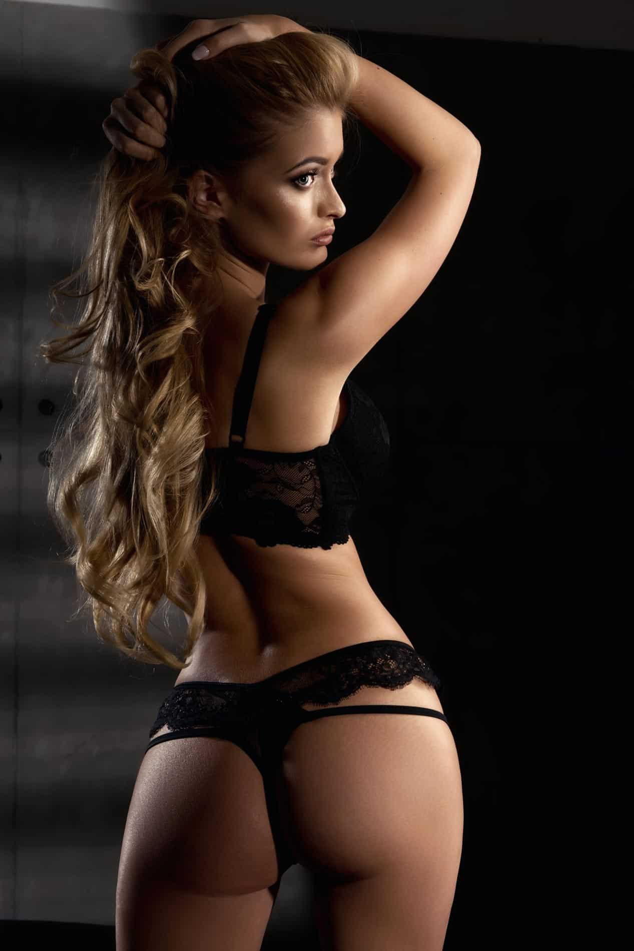 Bollywood Actress Escorts Provides Hottest & Sexiest Girl