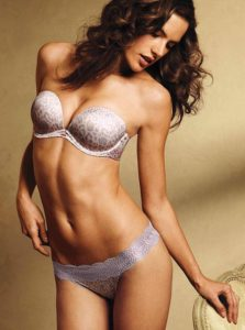 Celebrity Escorts In Mumbai Are Available In Low Price