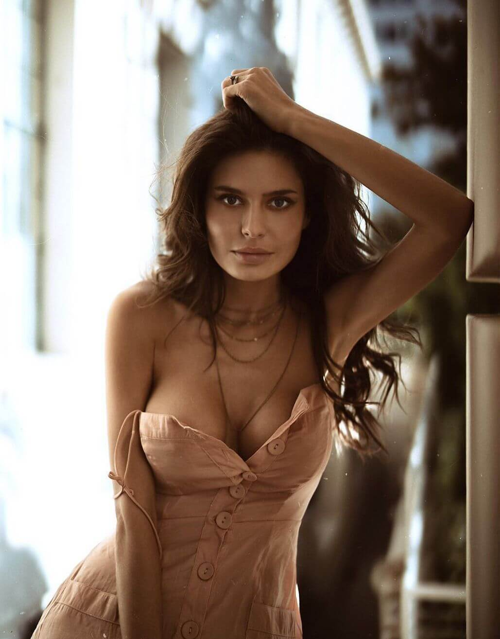 Escort Service In Airport International Hotel Are Ready To Fulfill You