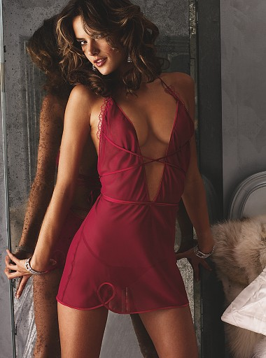 Escort Service In Four Season Hotel Are Waiting For You On Bed