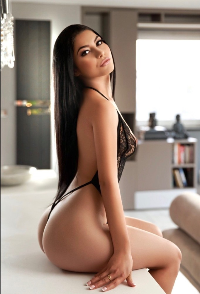 Escort Service In Ibis Navi Mumbai Are Waiting For You On Bed