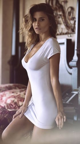 Call Andheri West Escorts To Have Them