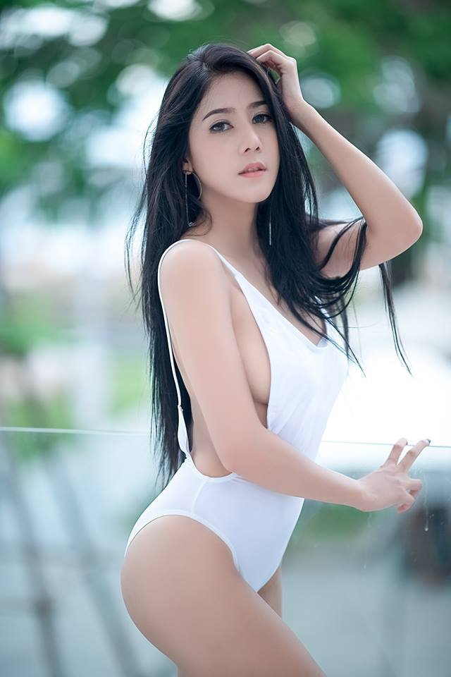 Escort Call Girl In Mumbai Is Here To Make Your Sex Life Awesome. Call Us Now.