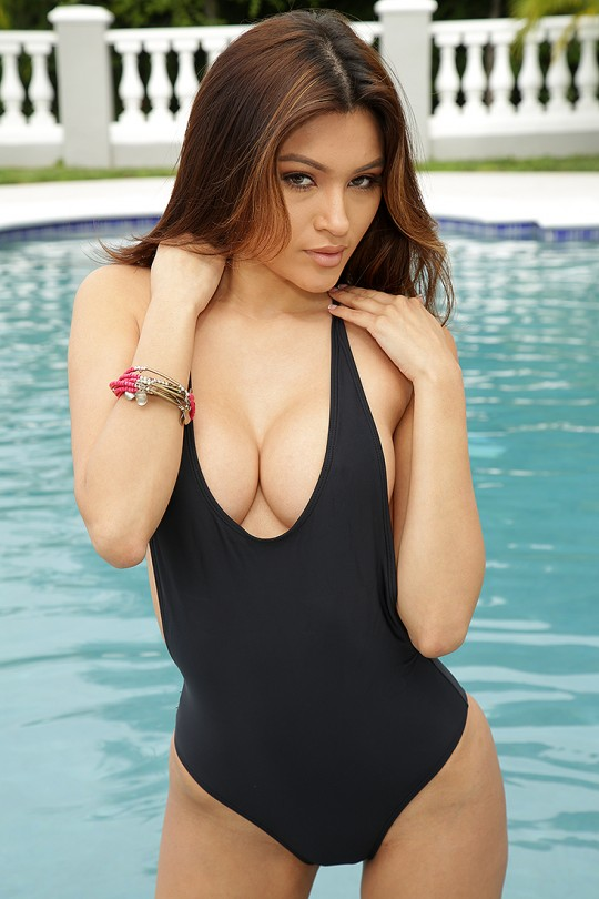 Female Escort Service In Mumbai Are The Best At Their Serving To Their Clients.