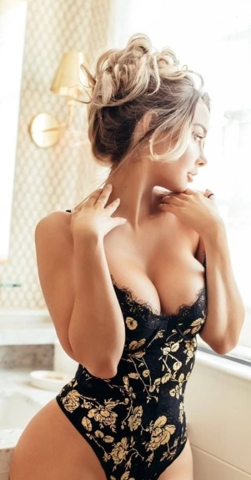 Avail Independent Female Escort In Mumbai And Get A Special Discount On Your Booking.