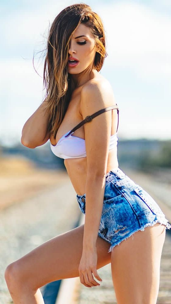 Avail Online Escort Service In A Very Easy And Fast Way To Handle Your Instant Cravings