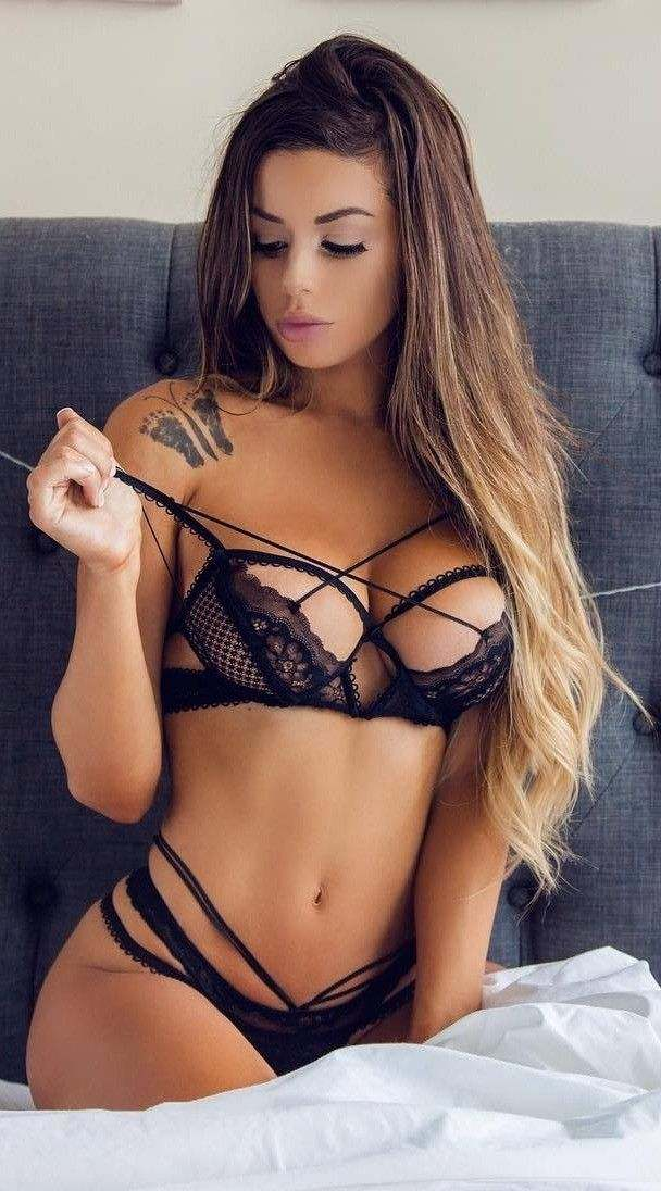 Escorts Near Mumbai Airport Are Waiting For You To Have Them In Your Place.