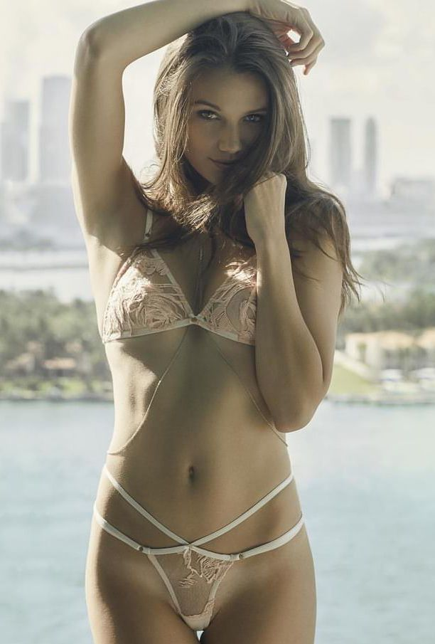 Mumbai Ladies Sexy Service Is Welcoming You To Enjoy The Best Erotic Fun.